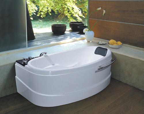 Bồn tắm nằm có tác dụng thư giãn rất tốt